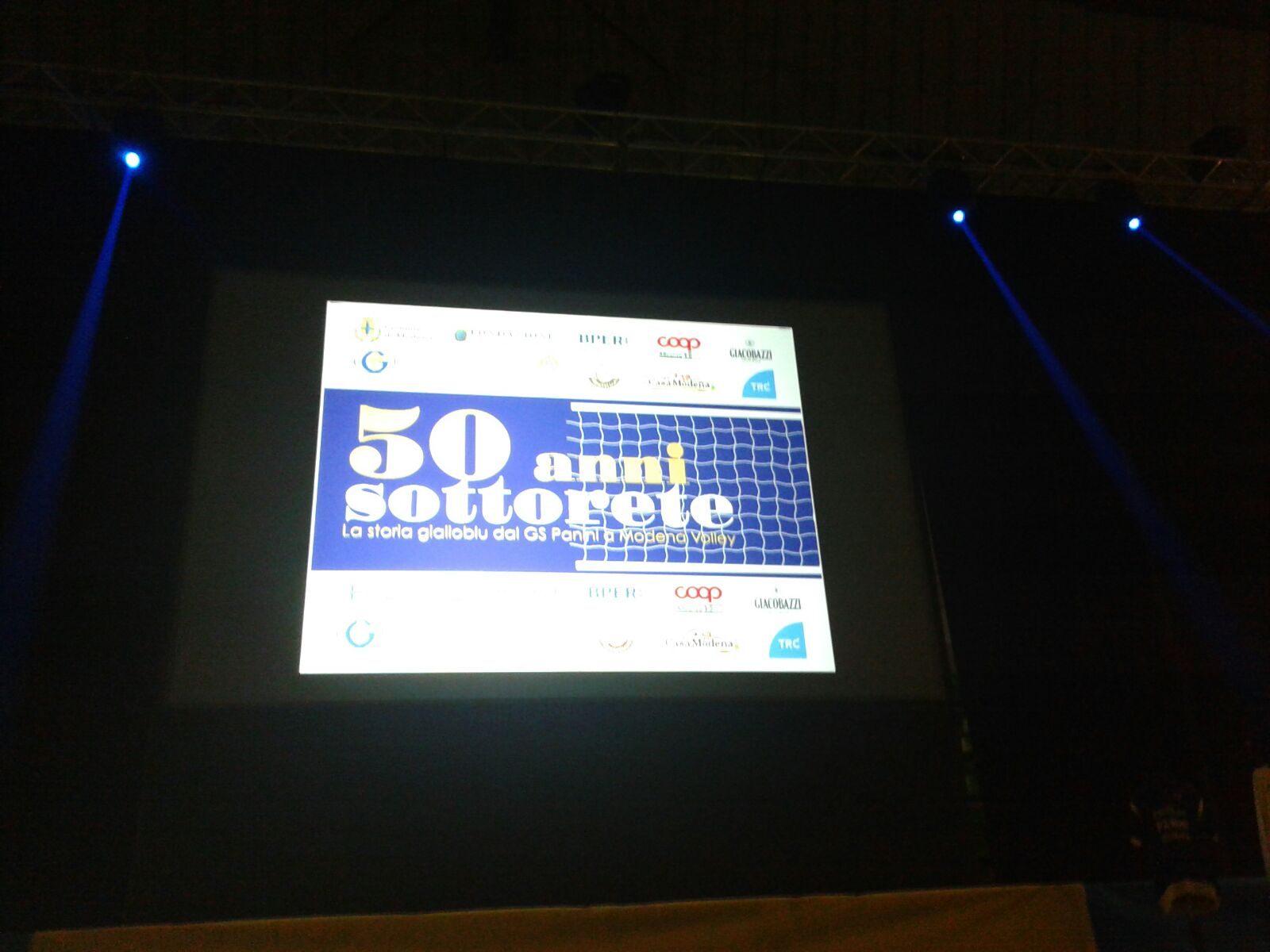 Buon compleanno Modena: 50 anni di forza e calore gialloblù!